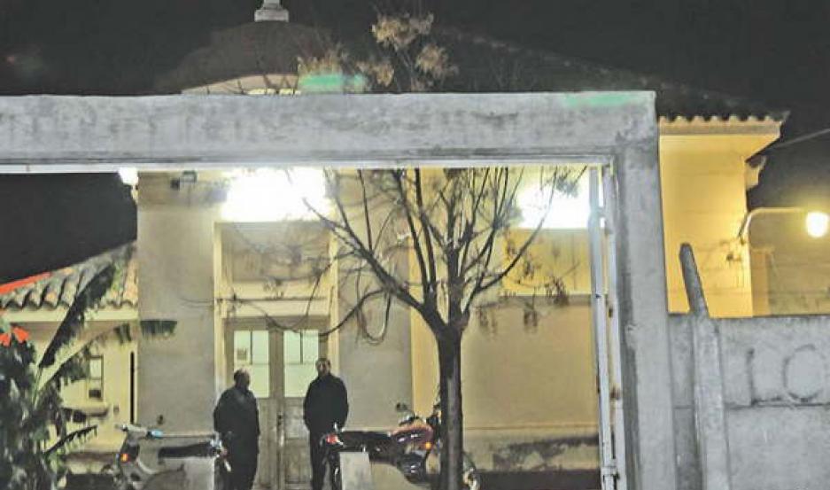 DESOLACIÓN. El cuerpo de Fenoglio fue sometido a una autopsia en la morgue judicial del Hospital Independencia.