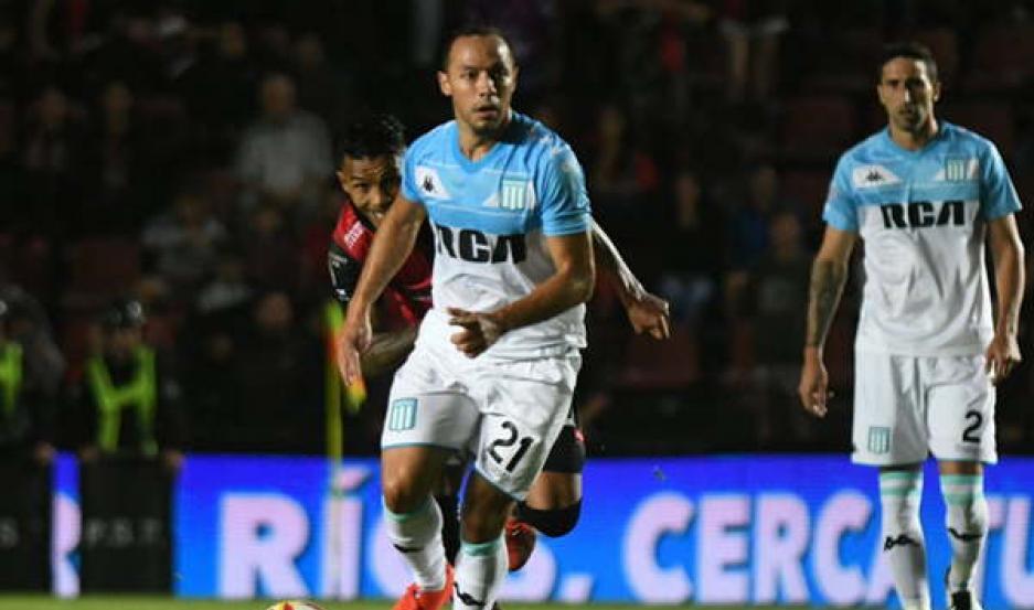 IMPORTANTE. El volante central Marcelo Díaz es uno de los puntos altos del Racíng líder de la Superliga.