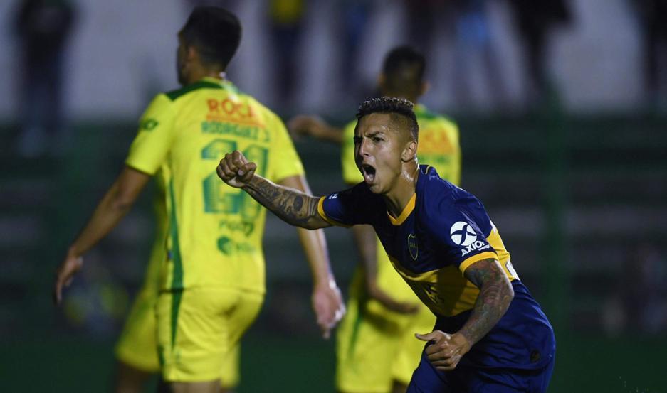 FESTEJO. El mediocampista Agustín Almendra convirtió el único gol para que Boca le gane a un Defensa y Justicia que mereció, al menos, llegar al empate.
